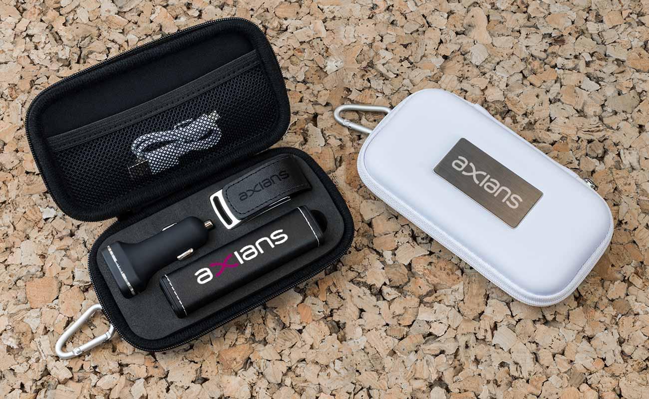 Leather M - USB Stick Bedrucken, Powerbank Werbegeschenk und Custom Car Charger