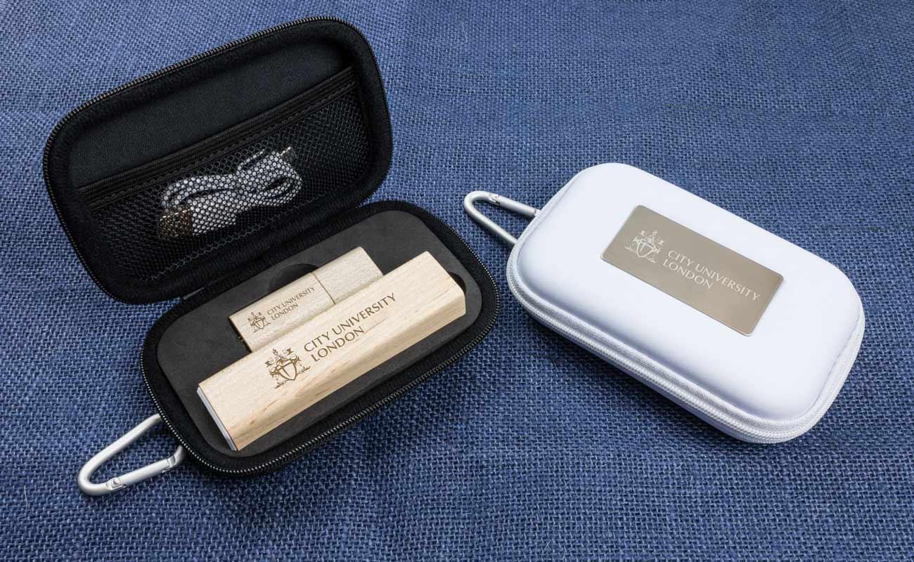 Maple S - USB Stick Bedrucken und Powerbank Werbegeschenk